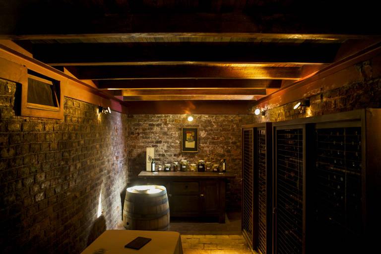 Adega da vinícola Club Tapiz, em Maipú, que também abriga restaurante e pousada