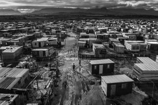 Vista aérea da Khayelitsha, favela na Cidade do Cabo, na �frica do Sul