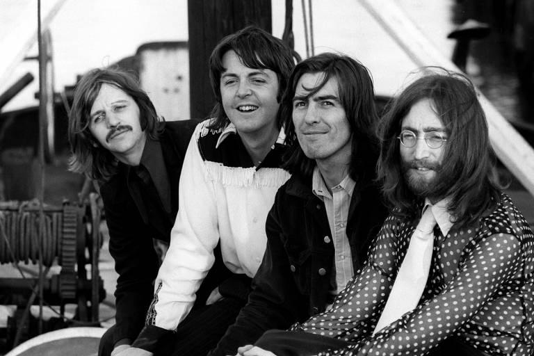 Paul McCartney vai revelar letra de música nunca gravada dos Beatles em livro