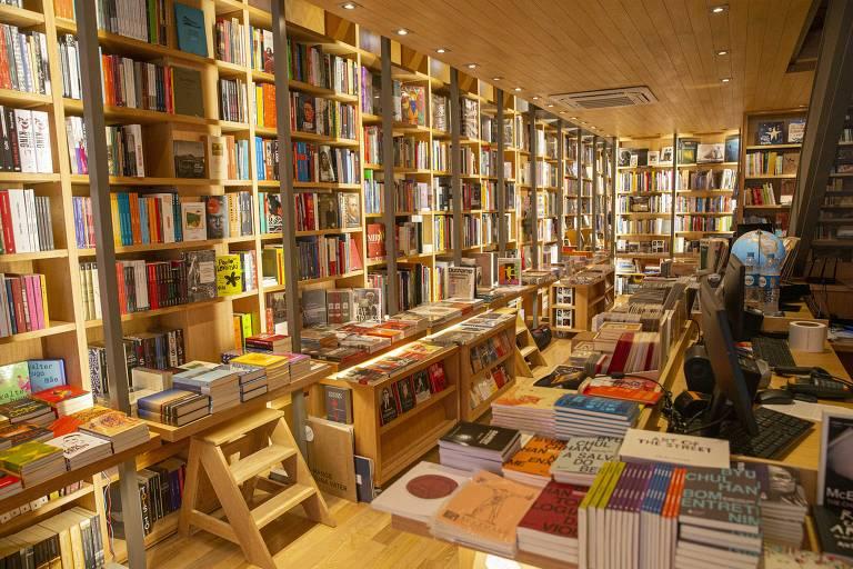 A livraria é dividida em dois andares e Rui garante que vai ter espaço para sentar, ler um livro, tomar um café ou um vinho. Foto: Divulgação.