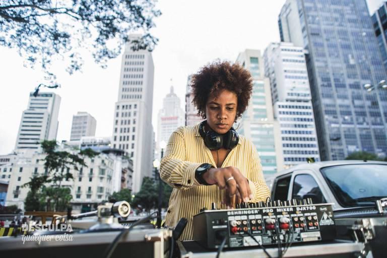 A DJ Elky Araujo, da Desculpa Qualquer Coisa