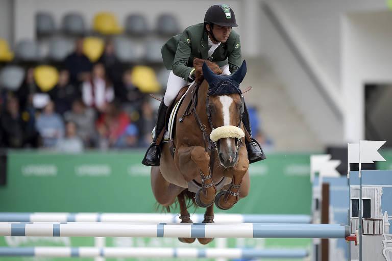 Marlon Zanotelli, cavaleiro brasileiro, durante a final por equipes do salto do Pan de Lima, na qual o Brasil conquistou o ouro