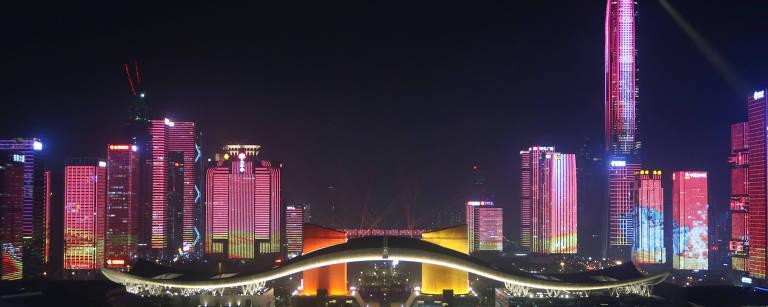 Conheça a China futurista de carros elétricos, trem-bala e apps de saúde