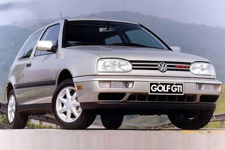 Volkswagen Golf chega a 25 anos de Brasil com versão híbrida