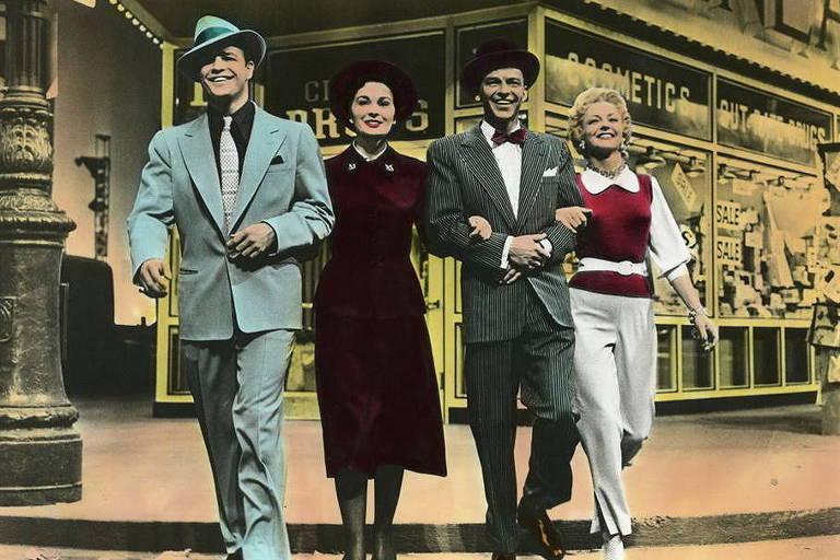Marlon Brando, Jean Simmons, Frank Sinatra e Vivian Blaine em 'Garotos e Garotas'