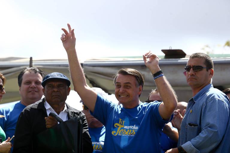 O presidente Jair Bolsonaro participa da Marcha Para Jesus em Brasília, no Eixo Monumental