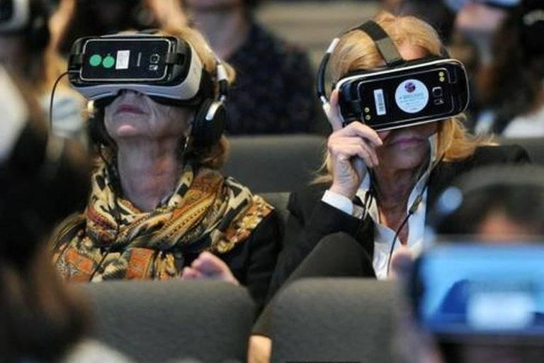 Os especialistas dizem que no futuro os espectadores poderão assistir ao que está sendo contado e depois poder vivenciar aquilo