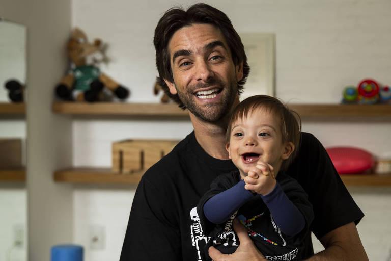 Henri e Pedro; após nascimento do caçula, perfil  em rede social viralizou e deu origem a ONG