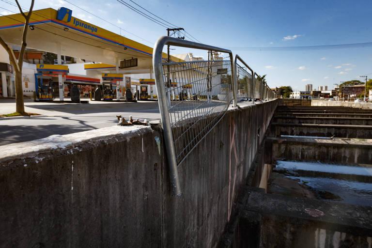 Gradis de pontes e viadutos têm falhas