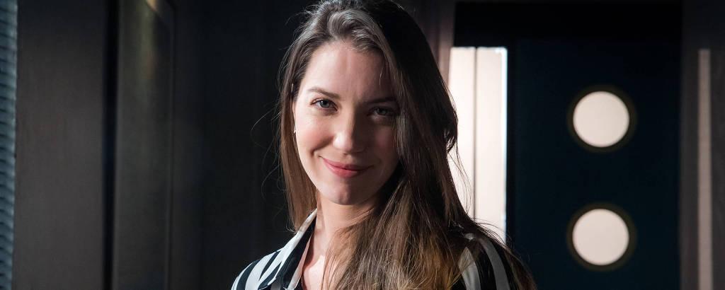 A atriz Nathalia Dill como Fabiana de