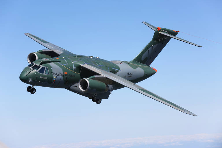 FAB anuncia corte de encomenda de cargueiros militares da Embraer