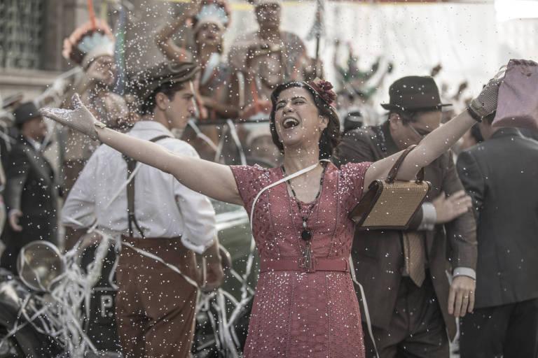 Fernanda Torres em cena de 'Filhos da Pátria', que chega a segunda temporada em outubro