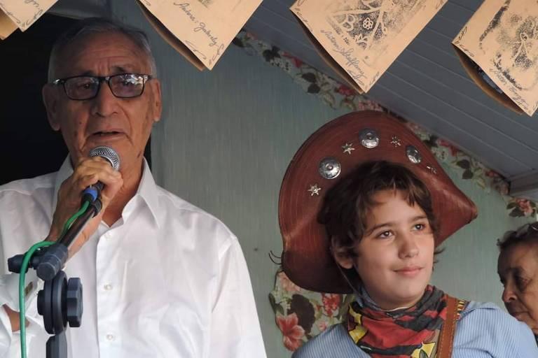 O adolescente Pedro Popoff, fã de cordéis