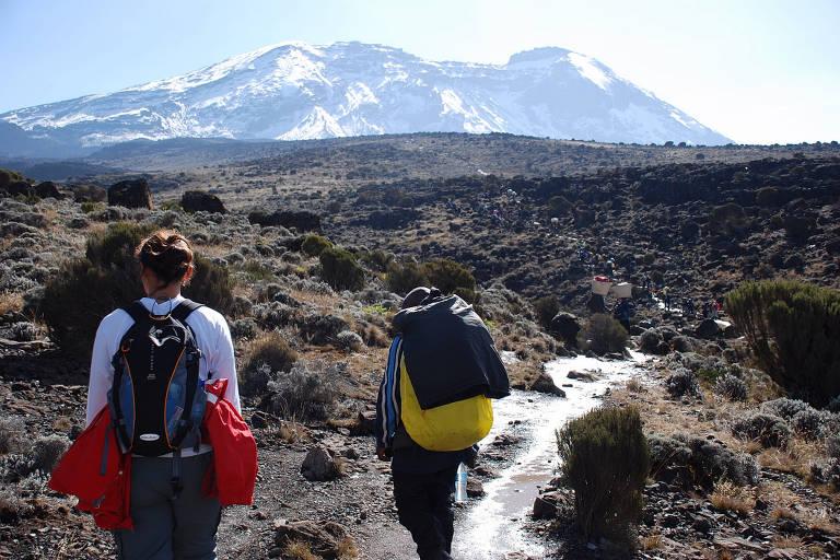 Leitor relata sua saga para chegar ao topo do Kilimanjaro, na Tanzânia