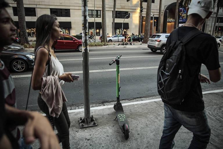 Primeiro dia com nova regulamentação para patinetes na capital paulista