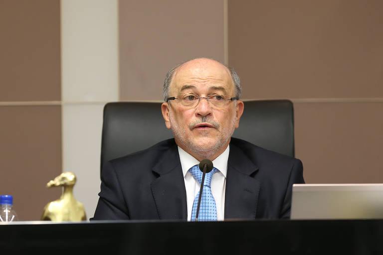 Sessão do TCU com participação do ministro Aroldo Cedraz