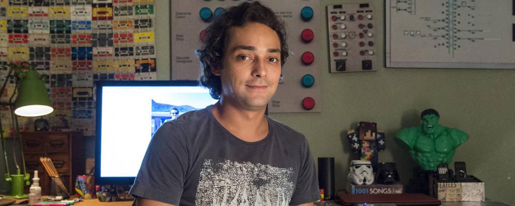 Eduardo Sterblitch como Enzo da série 'Shiappados'