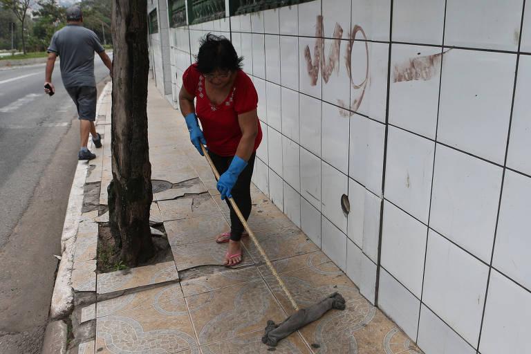 Lixo varrido nas ruas de São Paulo cai quase pela metade