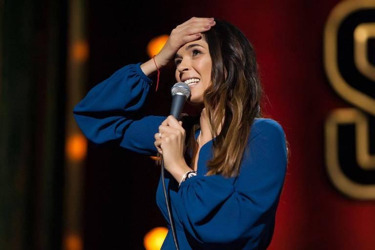A comediante russa Iulia Akhmedova, que faz um programa de stan-up comedy no canal TNT