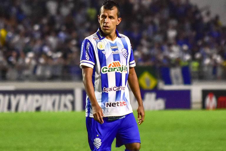 Com a saída da Caixa, CSA expõe cinco marcas. O presidente do clube alagoano, Ricardo Tenório, único que diz ter aumentado a sua receita com patrocínio.