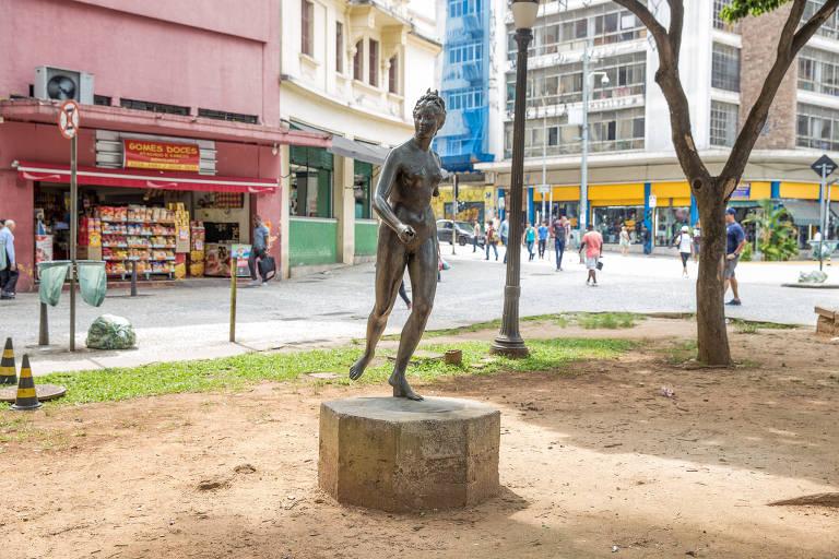 """Estátua """"Diana, a Caçadora"""", na praça Pedro Lessa, Vale do Anhangabaú, região central de São Paulo; está, ali há 75 anos, foi furtada"""