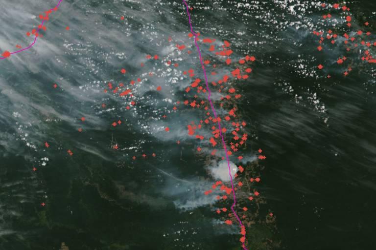 Focos de queimada no sudoeste do Pará entre 10 e 11 de agosto; cada cruz é um foco detectado por meio de imagem de satélite