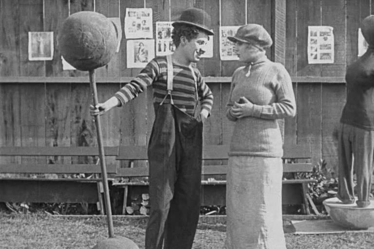 """Cena do curta """"Campeão de Boxe"""", de Charles Chaplin"""