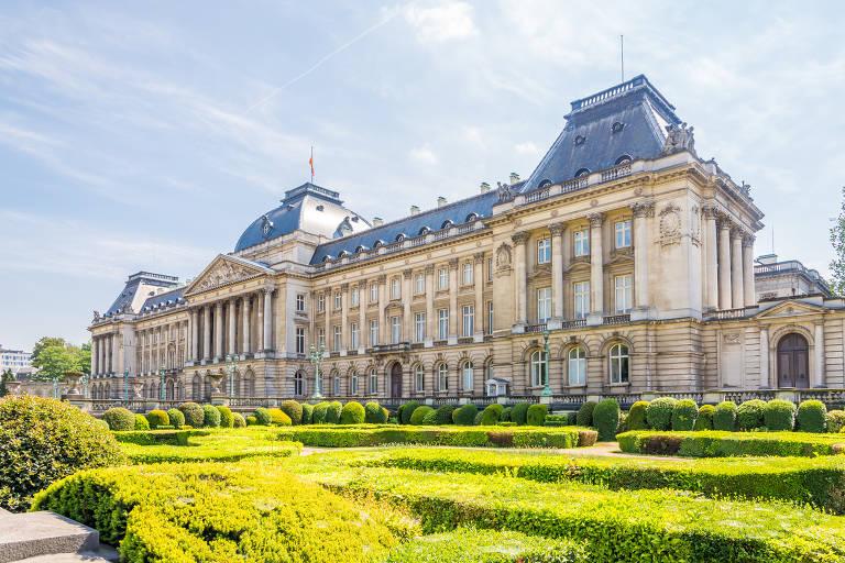 Fachada do Palácio Real de Bruxelas, na Bélgica