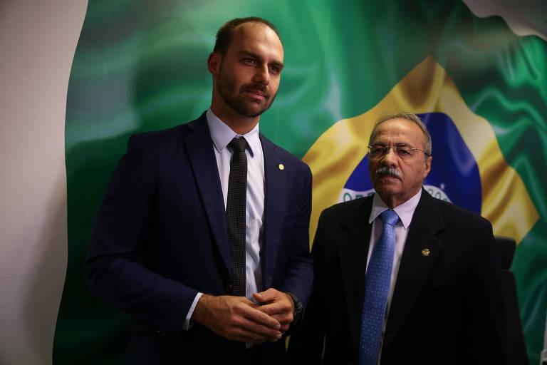 O deputado federal Eduardo Bolsonaro (PSL-SP) em visita ao senador Chico Rodrigues (DEM-RR), favorito para ser relator de sua indicação à embaixada dos EUA