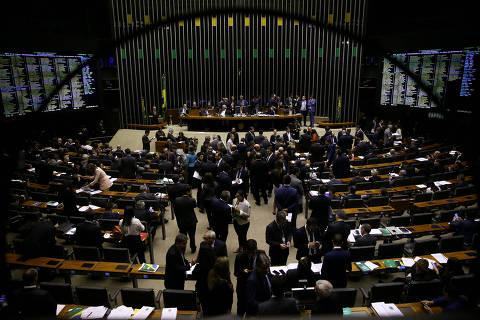 Partidos derrotados em 2018 miram o centro e tentam se reposicionar para 2022