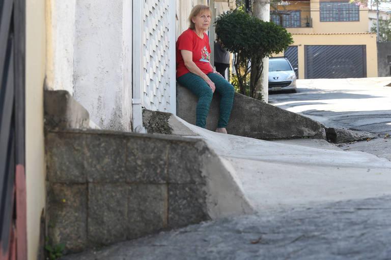 Covas ameaça multar quem tem calçada com degraus em ladeira