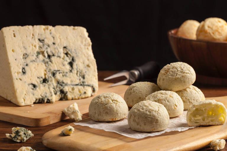 Pão de queijo de gorgonzola da Formaggio Mineiro