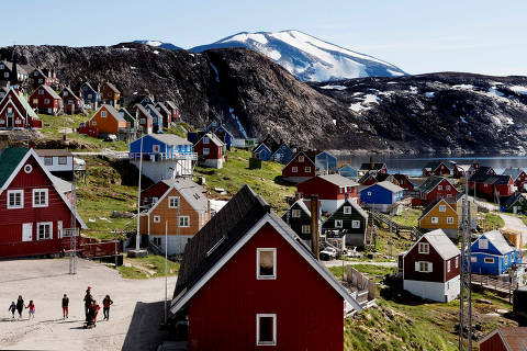 General view of Upernavik in western Greenland, Denmark July 11, 2015. Picture taken July 11, 2015.   Ritzau Scanpix/Linda Kastrup via REUTERS    ATTENTION EDITORS - THIS IMAGE WAS PROVIDED BY A THIRD PARTY. DENMARK OUT. ORG XMIT: GRE004