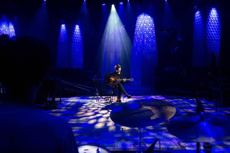 Show e ensaio de Tiago Iorc para MTV