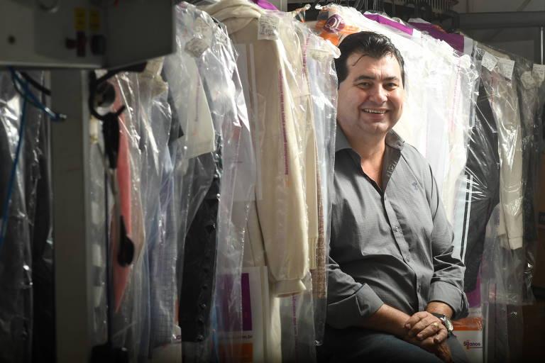 Marcos Toledo, franqueado da 5 à Sec, numa de suas lojas