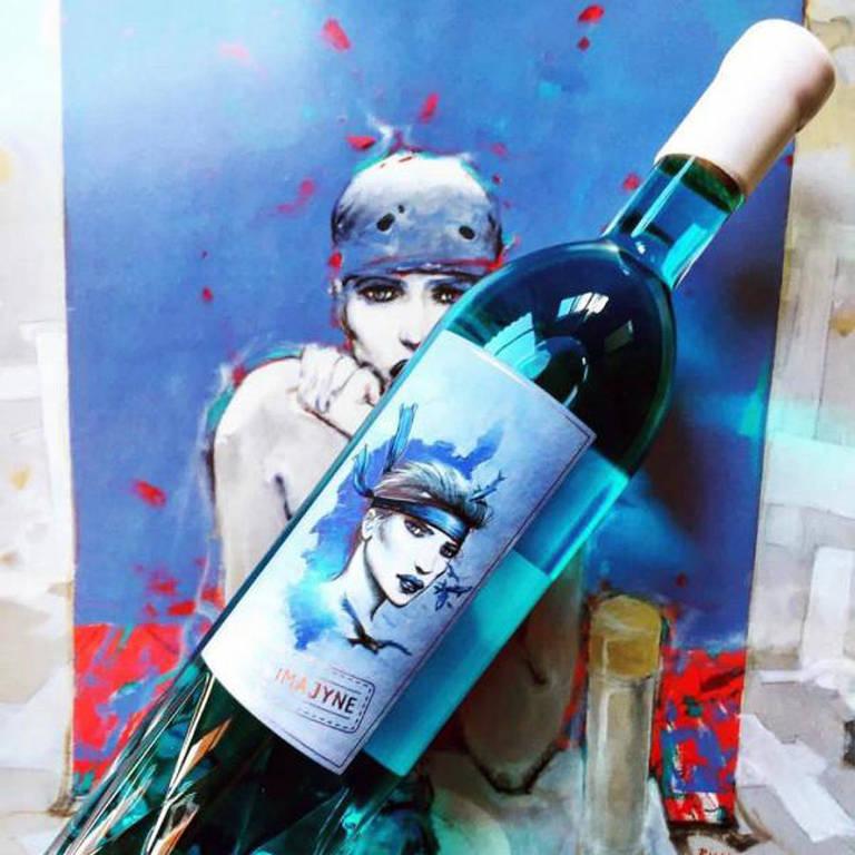 Garrafa de vinho azul