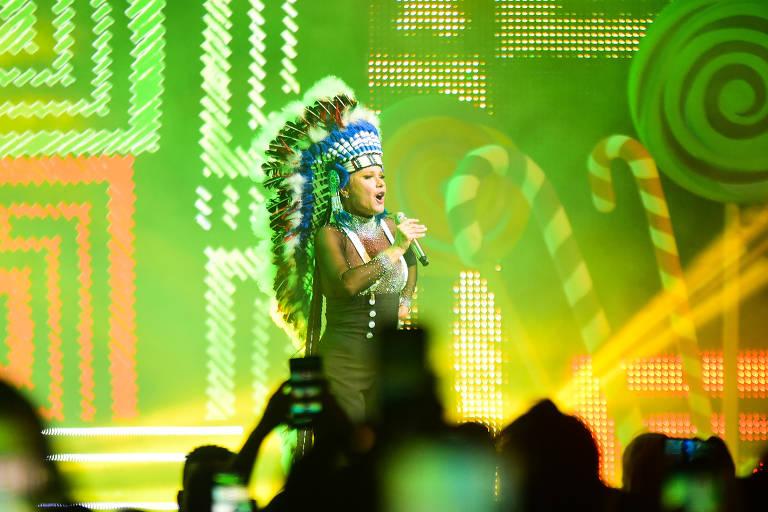 Xuxa se apresenta em turnê 'Xuxa Xou': retorno aos palcos