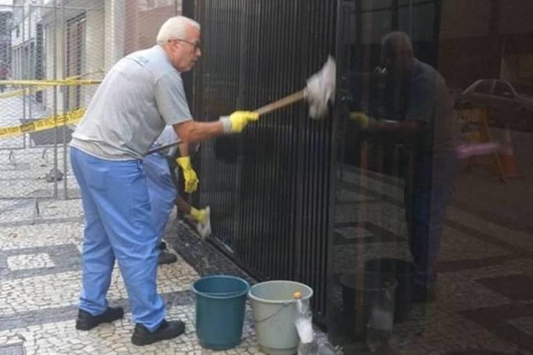 O juiz aposentado Jorge Pinto Lopes trabalhou como ajudante de serviços gerais durante um dia