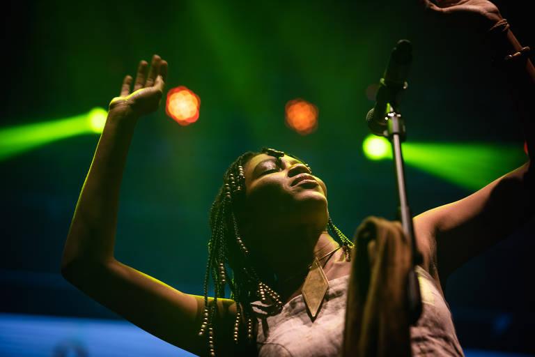 Baiana Luedji Luna no palco do festival Bananada 2019, em Goiânia
