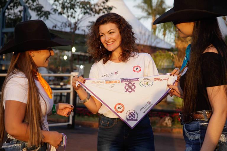 Ligia Malandri, 34, atua em campanha em Barretos pela valorização das mulheres
