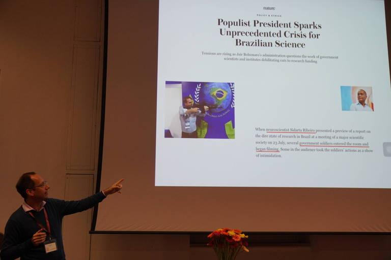 O neurocientista Stevens Rehen, da UFRJ e do Idor, fala na Breaking Convention sobre obstáculos à ciência com o presidente Bolsonaro.