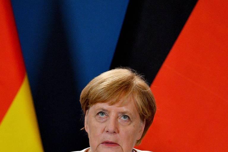 Chanceler alemã Angela Merkel durante encontro com primeiro-ministro da Hungria, em Sopron