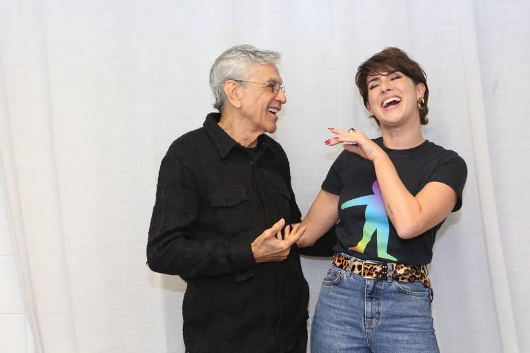 O cantor Caetano Veloso e a atriz Fernanda Paes Leme