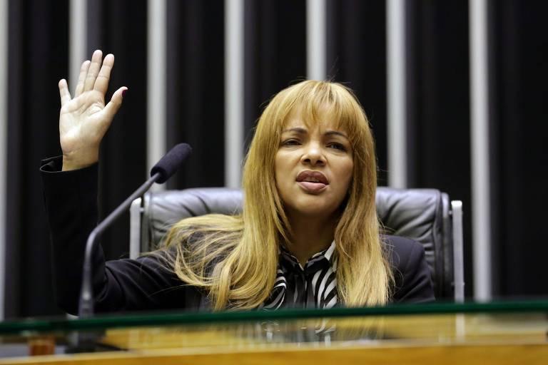 A deputada Flordelis durante evento na Câmara, em Brasília
