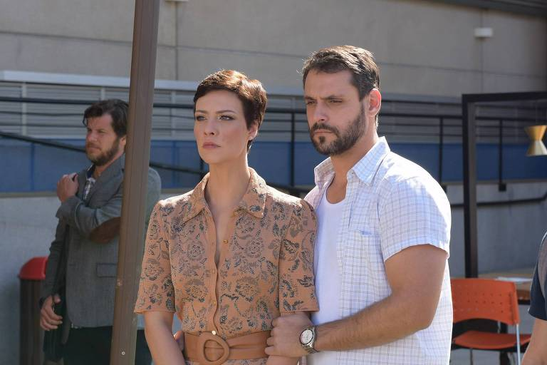 Sophia (Camila Rodrigues) e Antônio (Felipe Cunha)