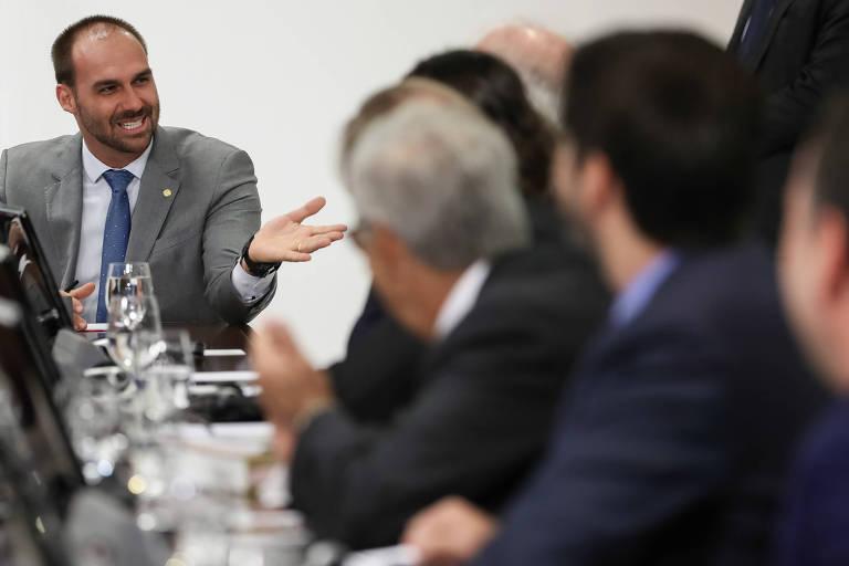 O deputado federal Eduardo Bolsonaro participa de encontro em Brasília