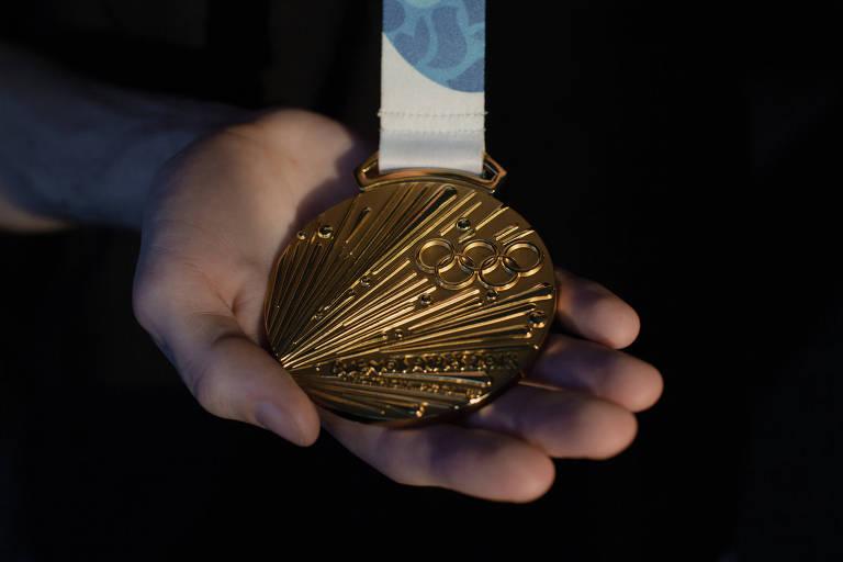 Sergey Chernyshev —o jovem— conquistou sua primeira medalha no breaking nos Jogos Olímpicos da Juventude de 2018, disputados em Buenos Aires