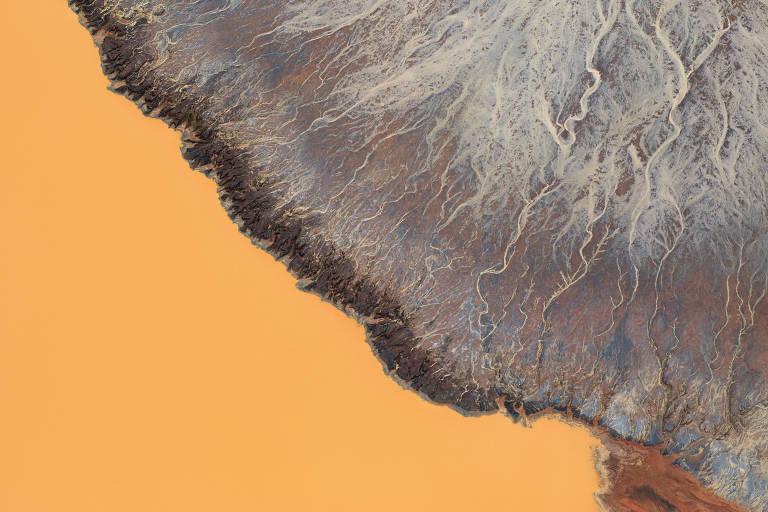 Encontro de sedimentos com água na mina da Alegria, em Mariana (MG)