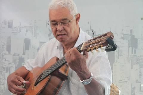 José Carlos da Silva, conhecido como Carlinhos 7 Cordas