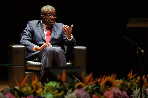 Congolese Nobel Peace prize winner Denis Mukwege speaks as he attends a meeting with Colombian sexual violence victims women in Bogota on August 16, 2019. (Photo by Raul ARBOLEDA / AFP)